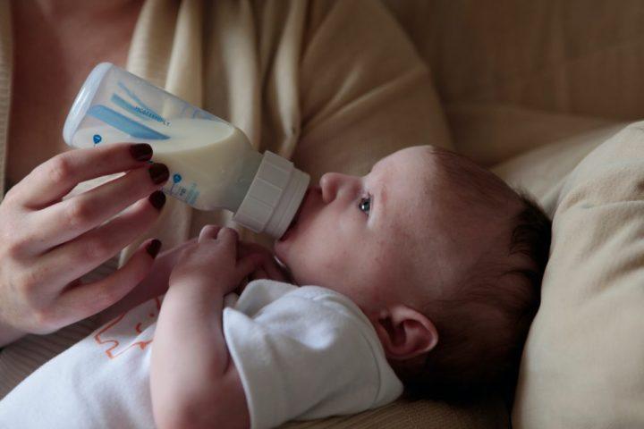 Pedijatri upozoravaju: Biljna mlijeka nijesu dovoljno hranljiva za djecu