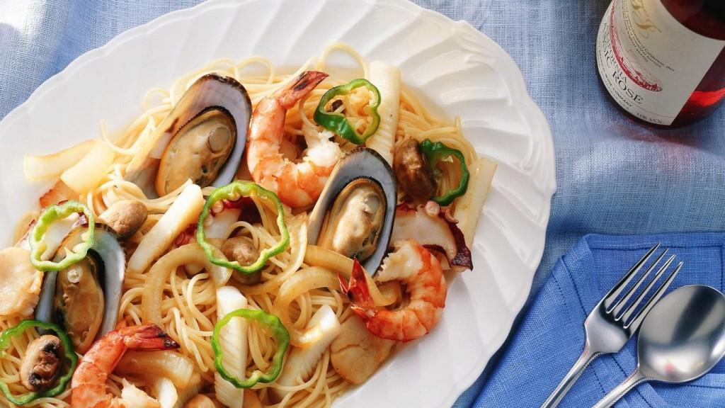 wallpaper-spaghetti-with-seafood