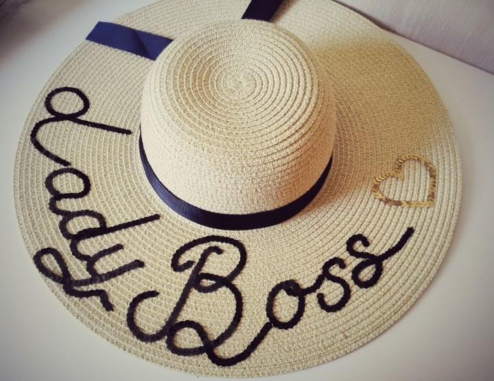 KOMAD MJESECA: Personalizovani Accessa šešir