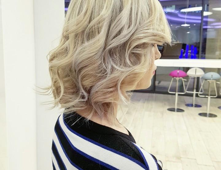 HAIR DESIGN SUGGESTION: NEOBAVEZNE LOKNE + ICE BLONDE