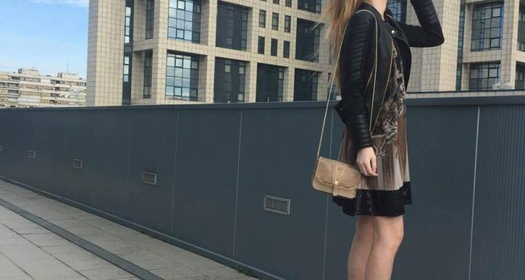 Sunny day street style by Marina!