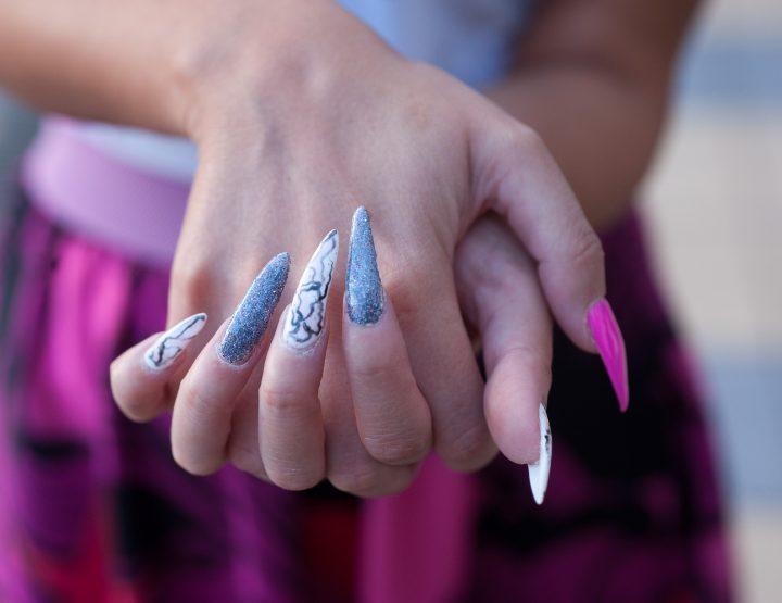 Stiletto nokti