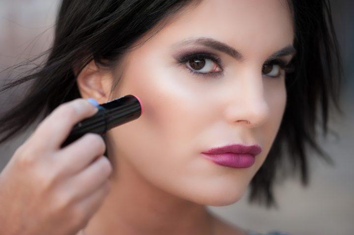 BEAUTY EXPERIENCE: Revlon make - up noviteti u stiku