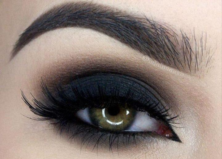 Smokey eyes: magija