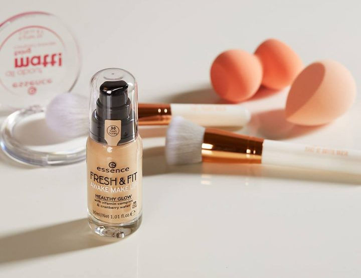 Make - up preporuka: essence tečni puderi